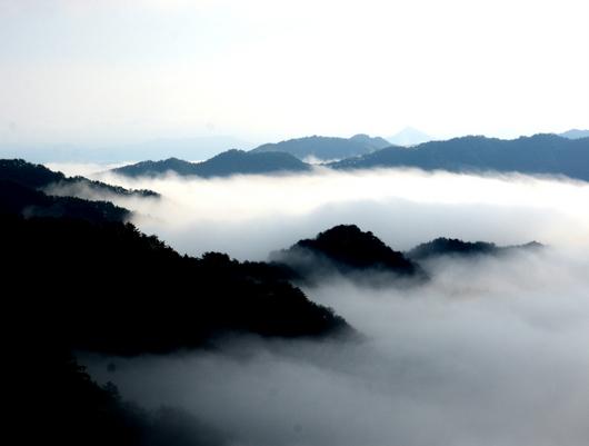 1-19.11.09 立里荒神社の雲海-3.jpg