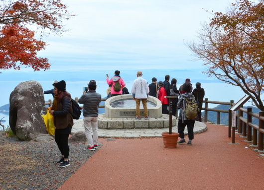 1-19.12.06 寒霞渓山頂の紅葉-2.jpg